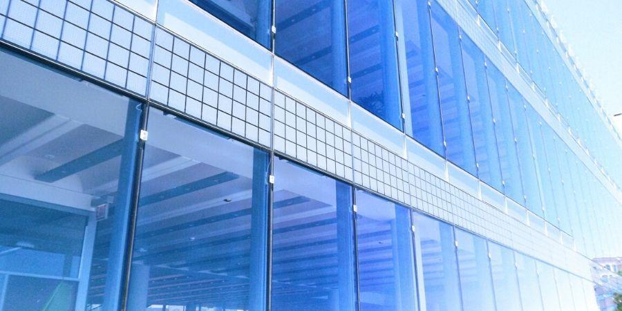 Instalaciones y estructuras de acero inoxidable